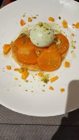 Isola 2000, Francja: tarte aux abricots