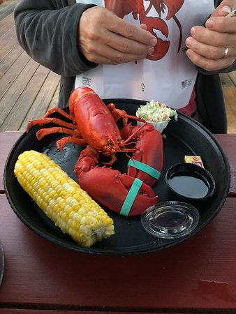 Ocean Gate Resort: Lobster dinner at nearby restaurant