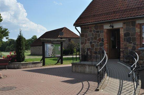 Nica, Latvia: Вход в инфоцентр