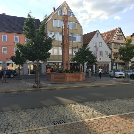 Bad Mergentheim, Jerman: Der marienbrunnen