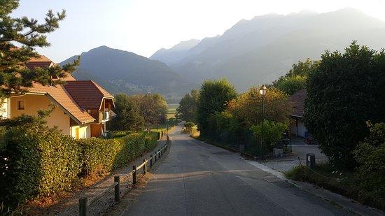 Giez, França: vue du village