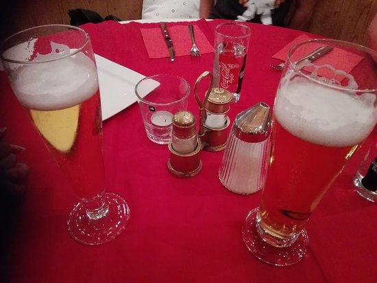 Restaurant Tyrol Cafe: Birra tipica