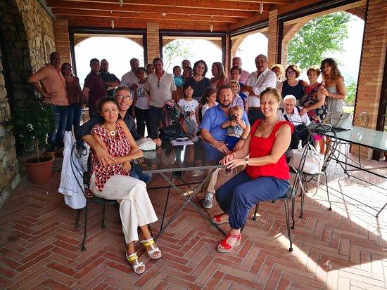 """Apice, Italie: gruppo di clienti per """"i ziti con papera"""""""