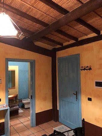 Piscinas, Italien: Interno camera