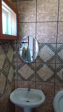 Niquelandia: WC limpo e tudo funcionando
