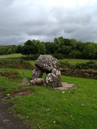Magherafelt, UK: Atmospheric Tirnony  Dolmen, beside country road,