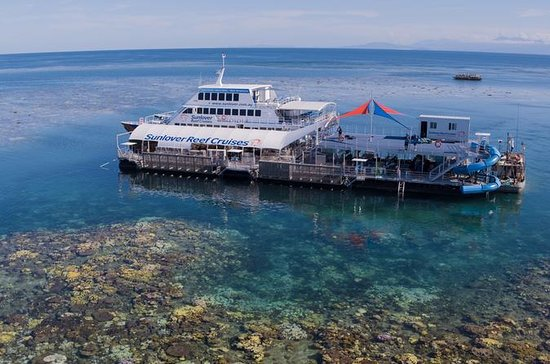 Sunlover Reef Cruises Outer Great...