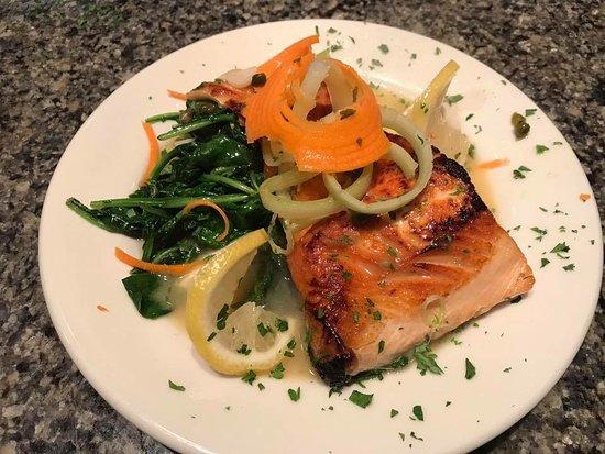 Cafe Italia Ristorante: Salmon Picatta over sautéed spinach