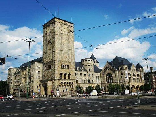 Zamek Cultural Center