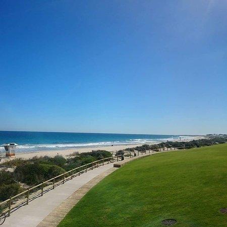 Scarborough Beach: FB_IMG_1534845783002_large.jpg