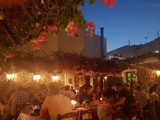 Avli Restaurant: 20180820_202736_large.jpg