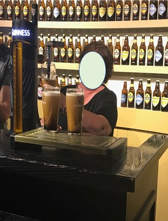 Guinness Storehouse: Learn to pull your own pint