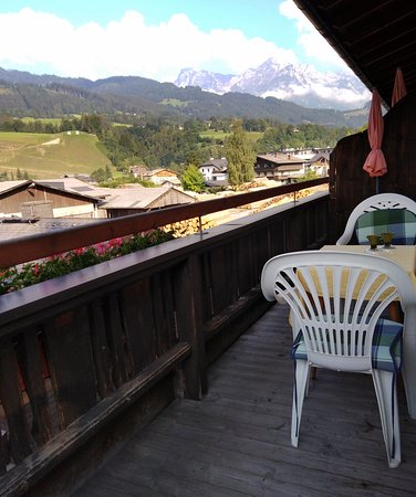 Pfarrwerfen, Österreich: Kilátás a teraszról
