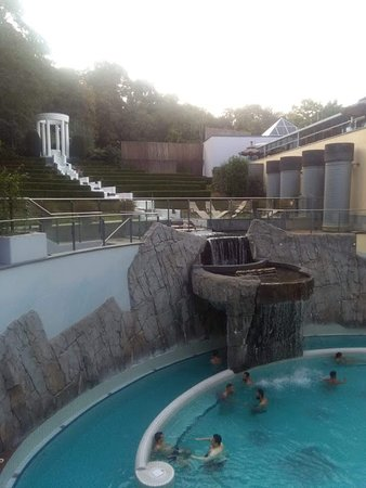 Carolus Thermen Bad Aachen: in clothed part, the tornado pool