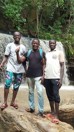Natitingou, Benin: 3 supers gudes qui nous ont aidé à acceder à la chute