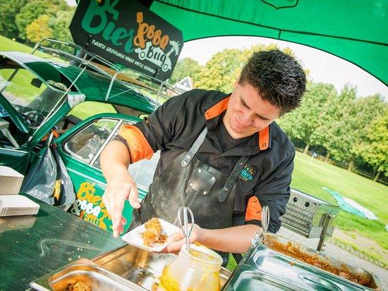 Deurningen, Holandia: Catering bij Pelle's eten&drinken met onze eigen BIER&BBQ Bug