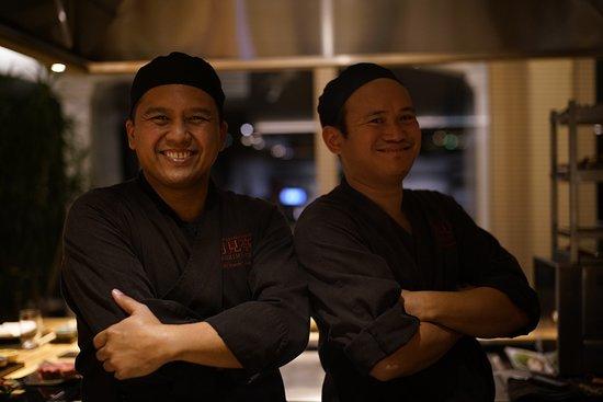 Darwin & Joel, Ristorante Tsukimi Tei