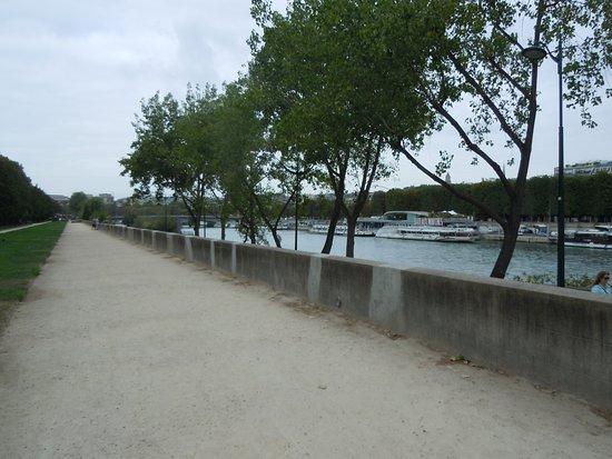 Esplanade Habib-Bourguiba