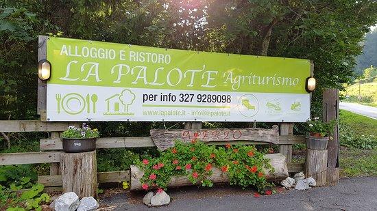 Forni di Sotto, Itálie: Cartello sulla strada