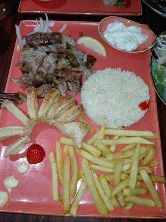 Akropolis Restaurant: IMG_20180820_194653_large.jpg