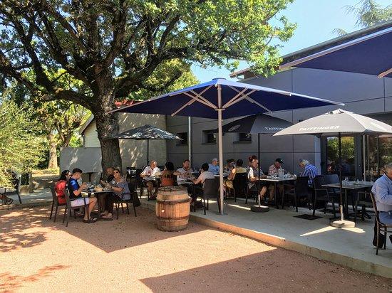 Francheville, Francia: La terrasse du restaurant La Chopinette