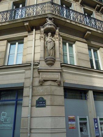 Statue de Sainte-Opportune
