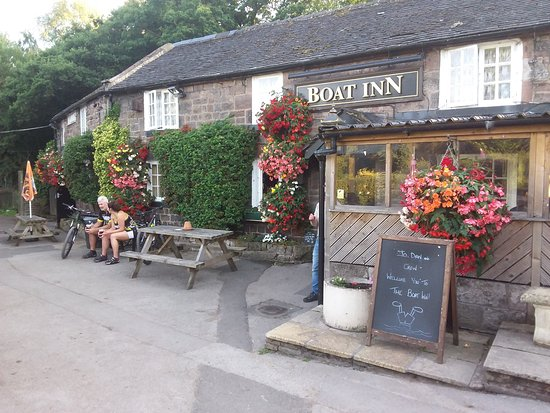 Cheddleton, UK: Fabulous canalside pub.