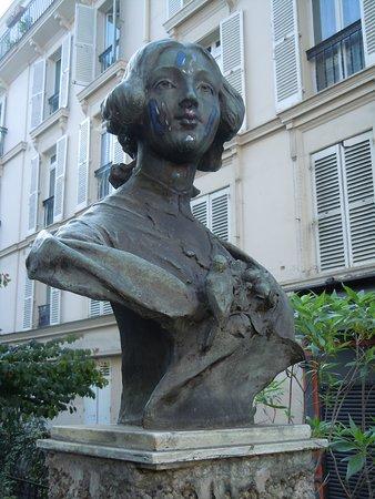 Buste de Clotilde de Vaux