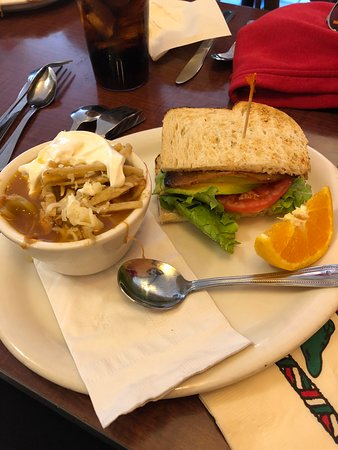 Shell Beach, Kalifornien: Fantastic Soup and half sandwich