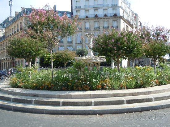 Fontaine de la Place François-1er