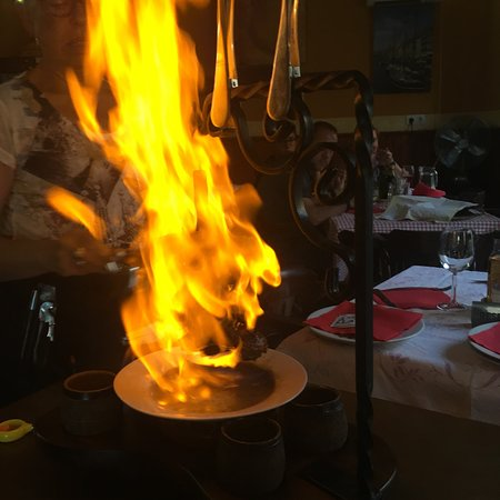 Es Llombards, Spain: Flambierter Spieß (Potence)