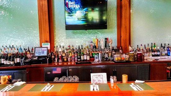 Marshside Restaurant: Gorgeous bar