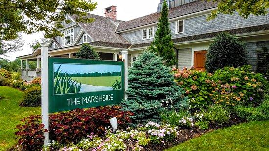 Marshside Restaurant: Street view
