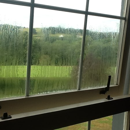 Ciliau Aeron, UK: Misted pane of glass in bedroom