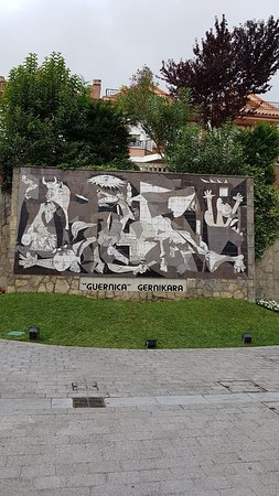 "Mural del ""Guernica"" de Picasso: 20180814_115710_large.jpg"