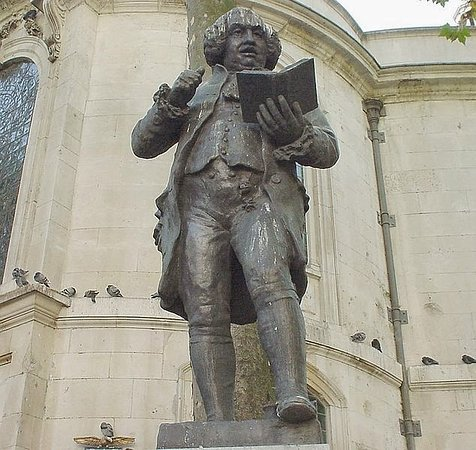 Statue of Samuel Johnson