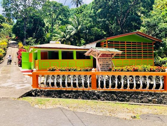 Cap Estate, St. Lucia: Local Cuisine luch from Exodus Charters All-Inclusive Speedboat Excursion