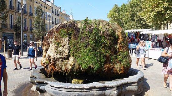 Cours Mirabeau: Fountain on Mirabeau