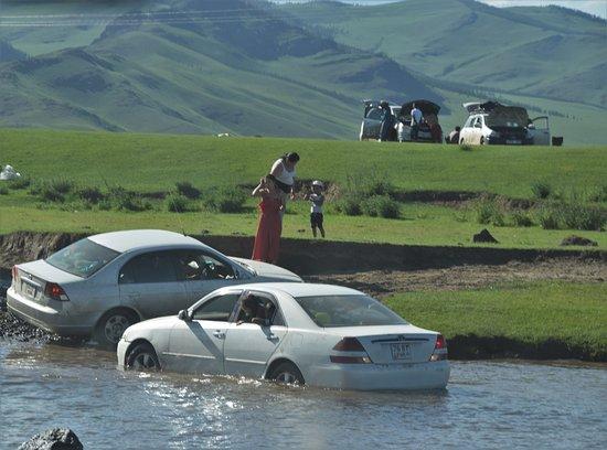 Arkhangai Province, Mông Cổ: Onberijdbaren wegen.