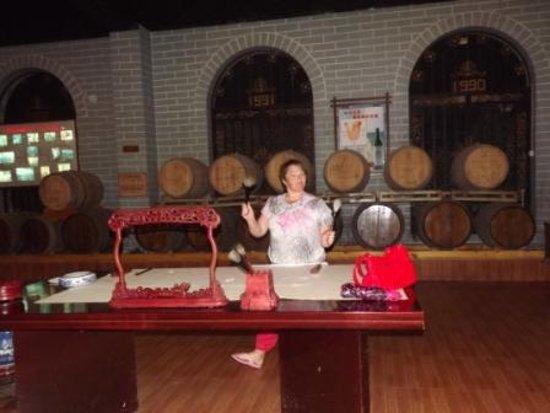 Qinhuangdao, China: мастер-класс по калиграфии