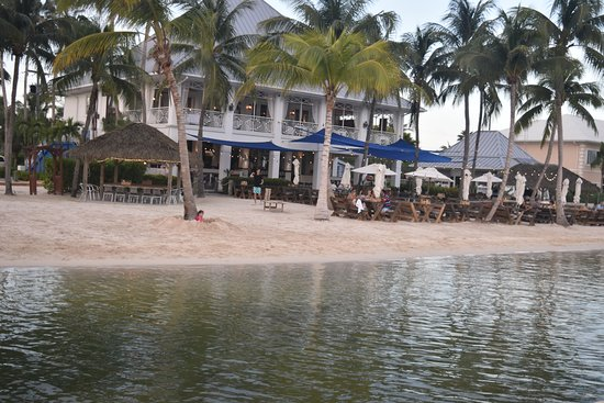 Upstairs Restaurant: Resturant from the water