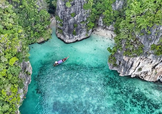 Phi Phi Island Boat Tours: Lagoon Swimming - Drone Shot of Longtail Boat - look closely there are four customers swimming i