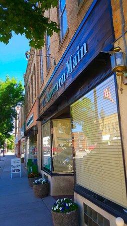 Litchfield, MN: Storefront