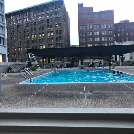 rooftop pool picture of radisson hotel baltimore. Black Bedroom Furniture Sets. Home Design Ideas