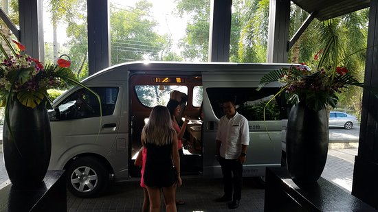 Phuket Driver Guide: Mr. Su and my family