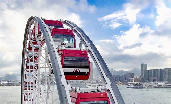 Hong Kong Observation Wheel: Bird's eye view of the gondolas