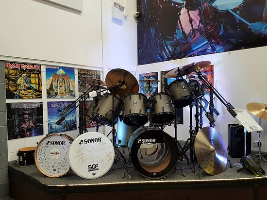 Stretford, UK: Drum heaven