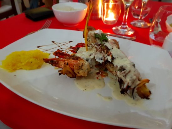 Pirogue Restaurant & Bar : 20180818_210624_large.jpg