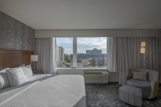 Chevy Chase, MD: Guest room