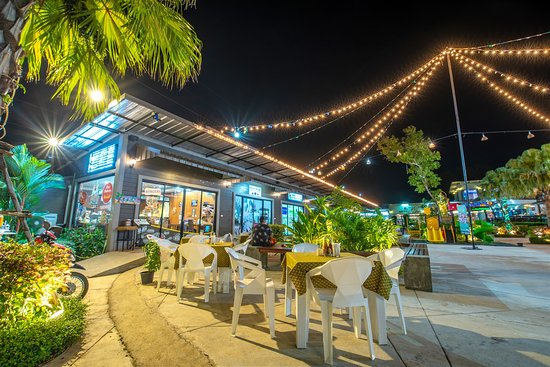 Mai Khao Plaza